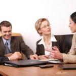 Drei einfache Tipps, wie man in einer Gruppe eine Führungsrolle übernimmt.