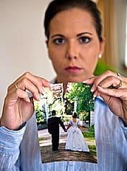 Frau lässt sich scheiden