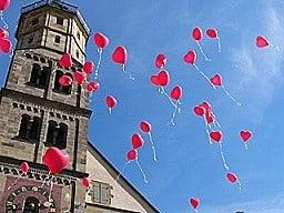 luftballons, freiheit sedona, loslassen, Akzeptanz