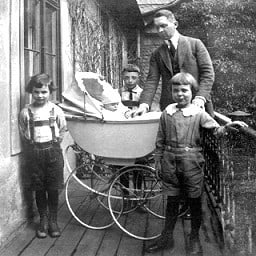 vater 20er Jahre xs kinderwagen Foto time photocasea xqshrmx1