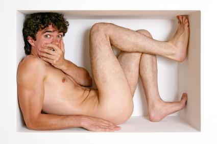 Mädchen genießen nackt zu sein