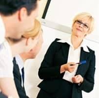7 Tipps für Schüchterne, um eine Präsentation oder Rede zu halten.