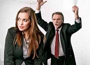 beruf chef kritisiert mitarbeiter xs iStock_000013962873XSmall