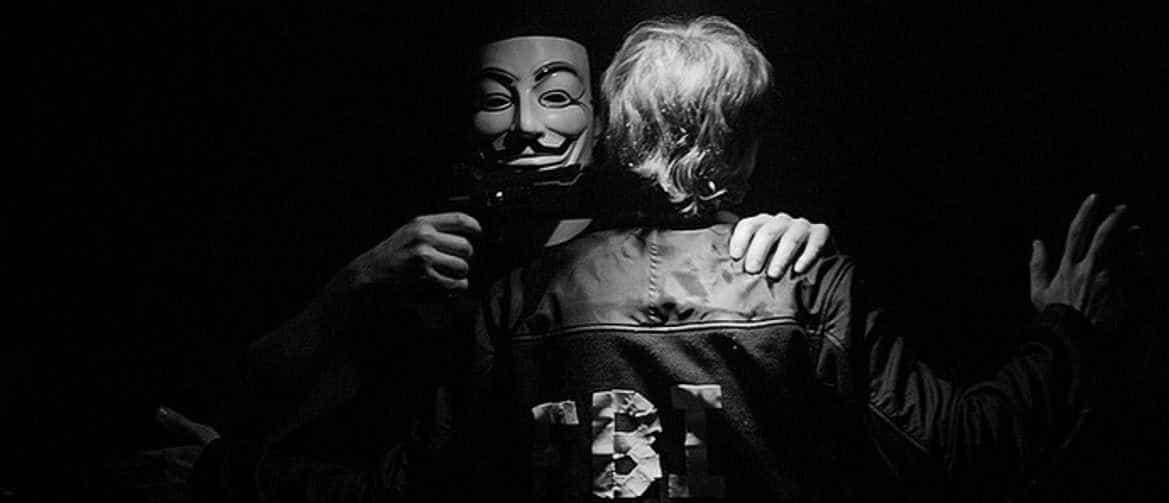 Die Maske für die Person der weisse Ton und das Glyzerin