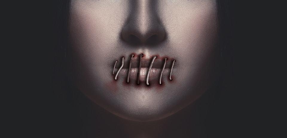 schweigen-mund-frau
